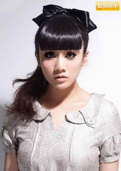 刘芸清纯型可爱写真 展示独特魅力的一面