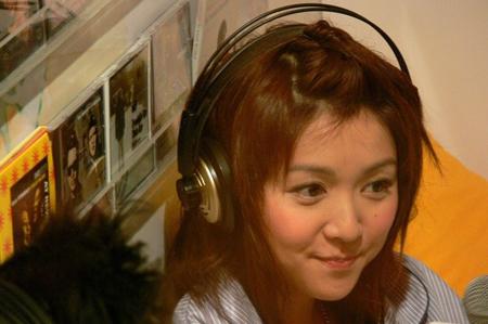 香港女星薛凯琪可爱私照与房祖名关系暧昧_酷狗娱乐