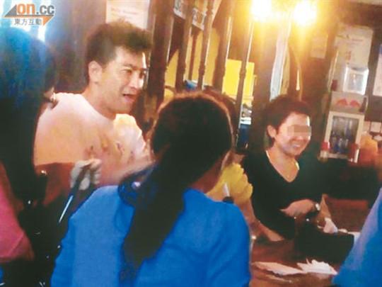 马国明泡吧被众女包围 开心大跳 江南style 酷狗娱乐 酷狗网高清图片