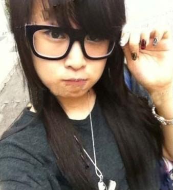 赵本山14岁女儿非主流自拍照