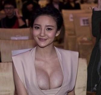 刘雨欣是大胸美女