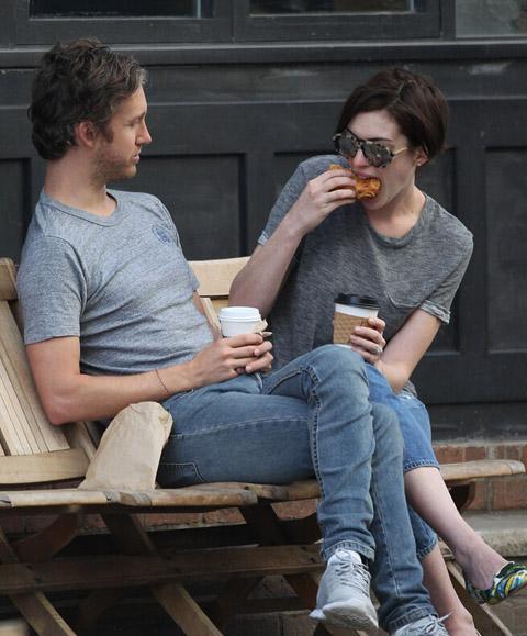 灰色头像情侣双人